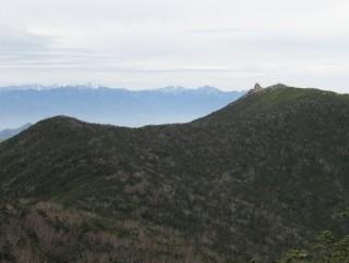 朝日岳から見た金峰山の稜線