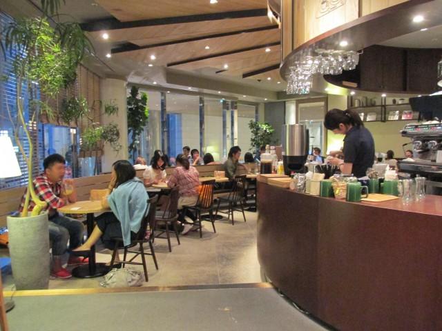 新宿三丁目駅 カフェ「Caffice」(カフィス)
